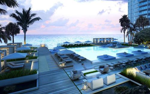 one-hotel-pool-deck.jpg
